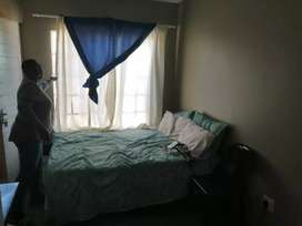 Room to let  (R2000 - Rosslyn) - Ladys only