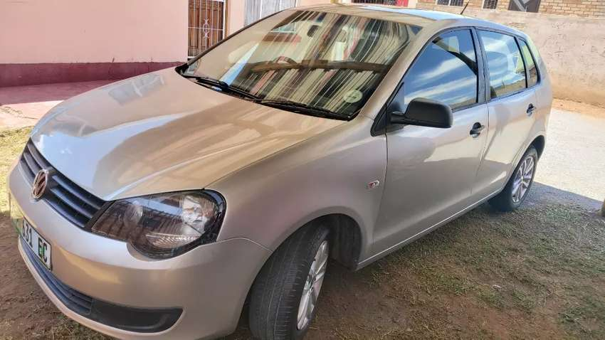 I am selling my 2012 polo vivo 1.4, car still in perfect condition 0