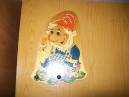Вешалка деревянная детская