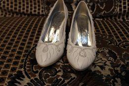 Свадебные туфли 37р. 500руб.
