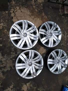 Rims five holes set for sale Vw
