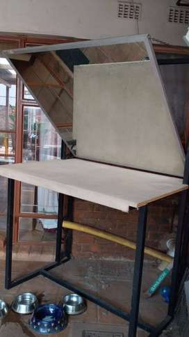 Reflection Table for Picture Framers