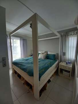 4-Poster Bed For Sale