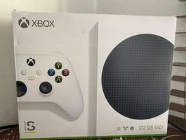 Xbox series S with a controller and a reddragon mic or to trade for pc