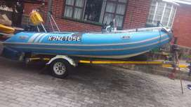 Prestige 475 rubber duck cat hull