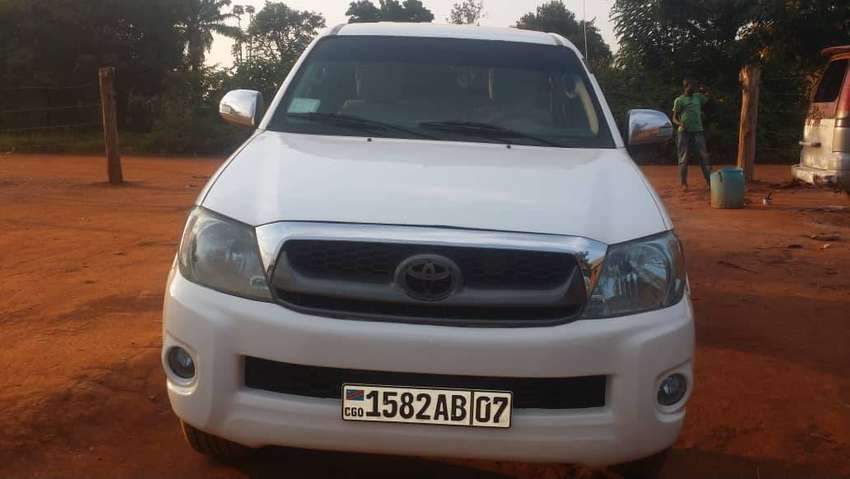 URGENT SALE, THE VEHICULE IS IN ARUA NOW INTERESTED WHATSAPP ME 0