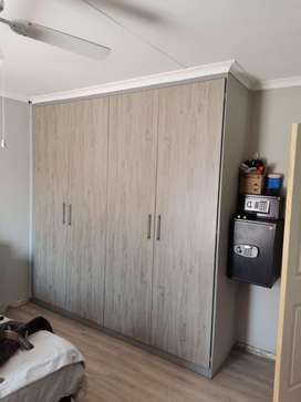 Install kitchen curboard, granite  door, any wood works