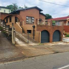 BEAUTIFUL 4 BEDROOM HOUSE AT MOBENI HEIGHTS