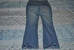 Джинсы с вышивкой 46-48 размера