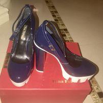 Продам женские лаковые туфли 36р.