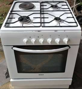 BOSH GAS AND ELECTRIC STOVE