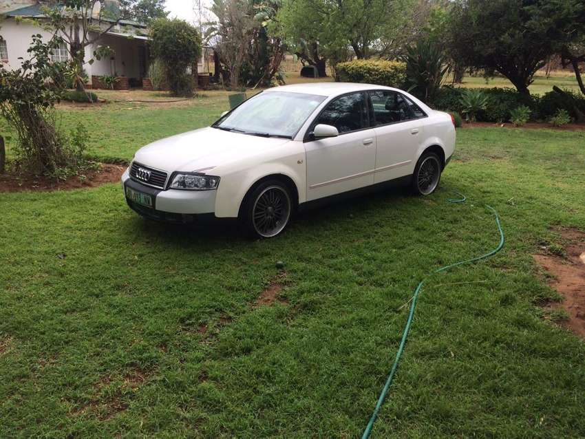 """Audi A4 B6 2.0 with 18"""" mags 0"""
