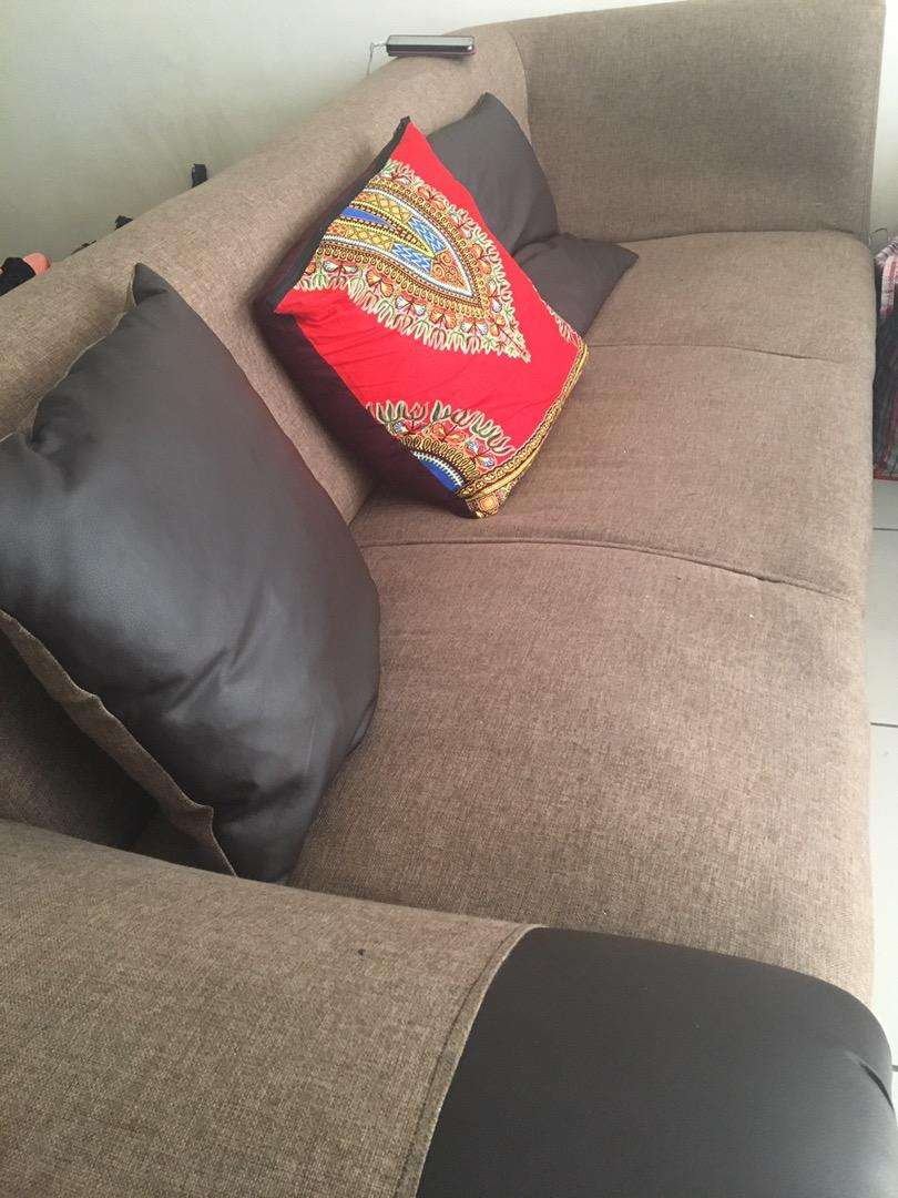 Brown Couch Urgent Sale. 0