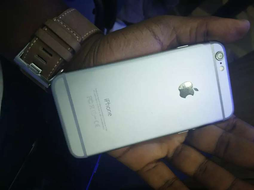 iPhone 6 32 GB only 750 mint condition 0