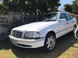 NEAT AUTO MERCEDES C200 FOR SALE/SWOP /TRADE IN