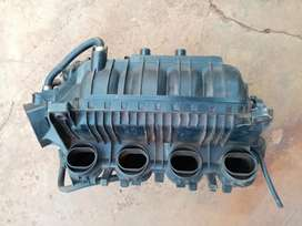 Alfa Romeo 147 2.0L intake manifold in a good working condition