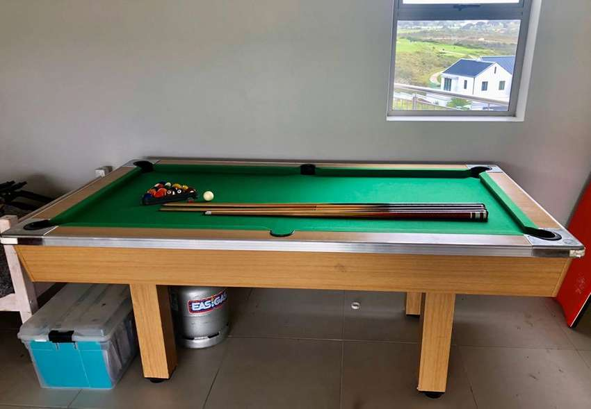 Pool Table, wooden base 0