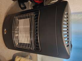 Alva Gas Heater with two gas bottles