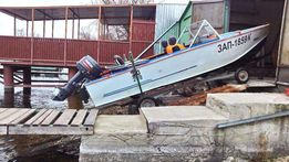 Моторная лодка Прогресс 4 Yamaha 30лс и бокс, эллинг,гараж для лодки