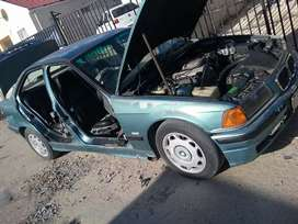 BMW 318is breaking for parts
