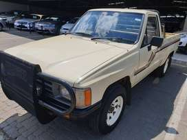 =1987 Toyota Hilux 2.4D S/C LWB-One Owner-Well maintained-R69900