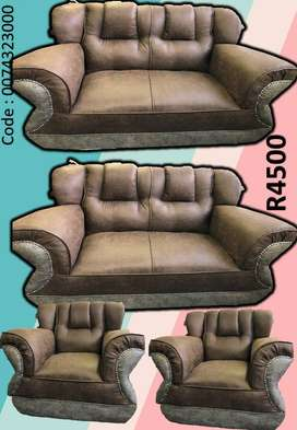 COUCH 6 SEATER BRAND NEW