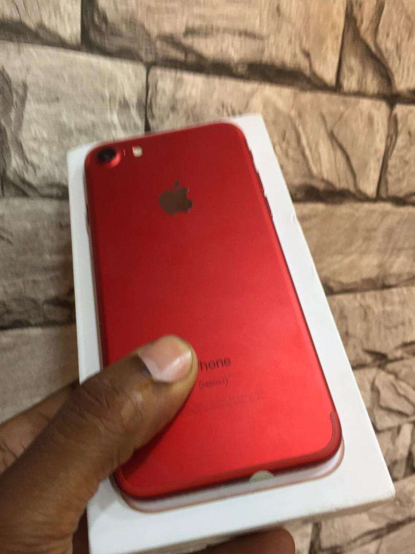 Iphone 7 red edition 0