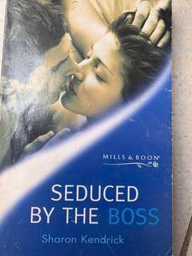 Mills & Boon : Seduced by the boss