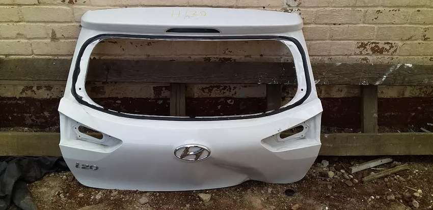 HYUNDAI i20 GRAND TAIL GATE AVAILABLE 0