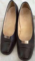 Шкіряні темносині жіночі туфлі Clarks, розмір 6.5 (26 см)