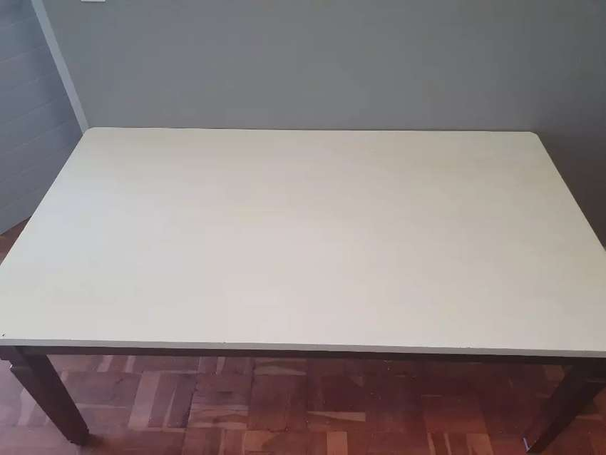 Dining room table 0