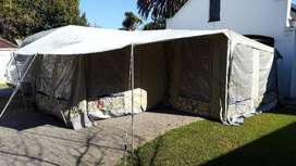 Jurgens Exclusive L shaped tent never used