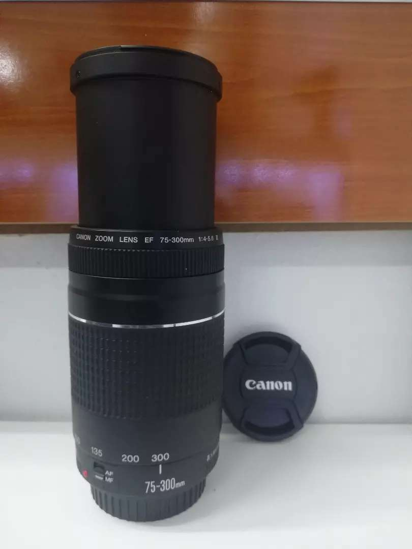 Canon Zoom lens 75-300mm 0