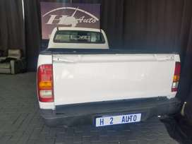 THE TOYOTA HILUX SINGLE CAB 2.5 D4D ENGINE CAPACITY.