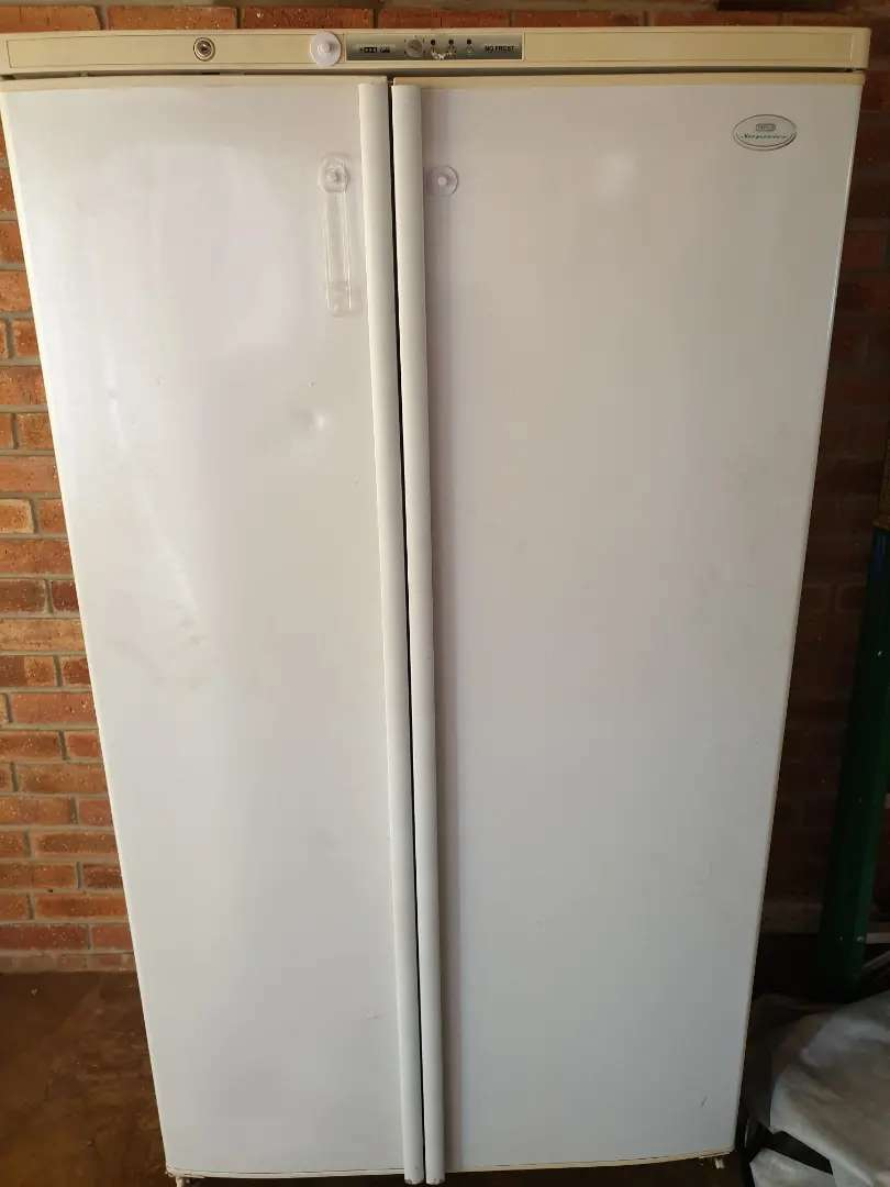 Defy double door fridge, whirlpool washing machine 0