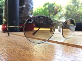 NEW!! Ray-Ban Oval sunglasses R800 (worth R2300)