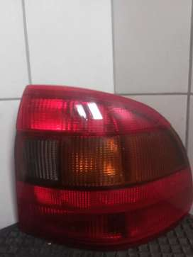 Right back light and drivers Right window and back Right window Astra