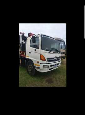 Hino 14 ton truck with crane for sale