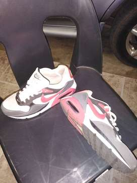 Nike Airmax sneakers, size 6.5
