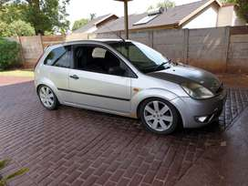 2005 ford fiesta R55000 or swop for toyota tazz or equivalent