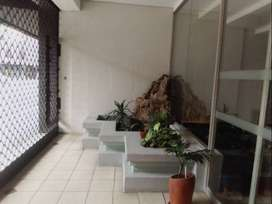 Spacious 2 Bedroom Flat for Sale in Marshalltown