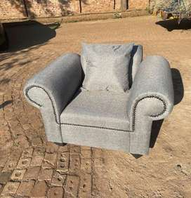 Lounge for sale R7000