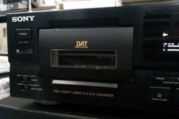 Кассетная дека Sony DTC-750