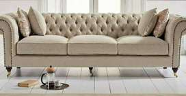 CHERSTERFIELD COUCHES
