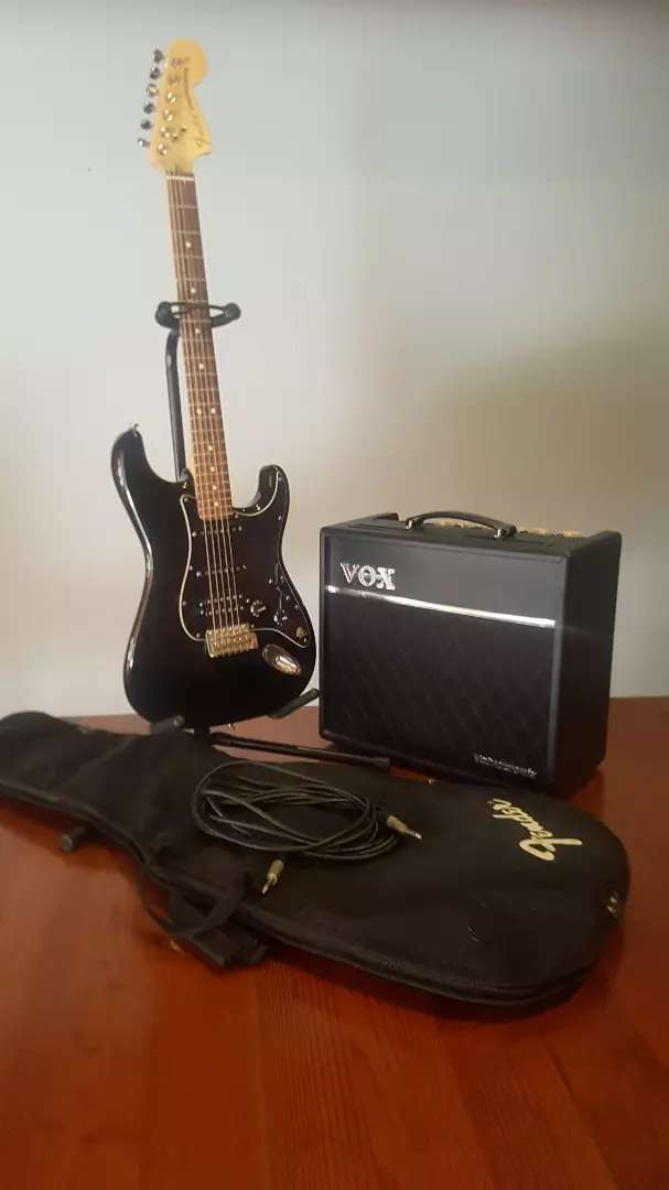 Fender American Special Stratocaster HSS Black 0