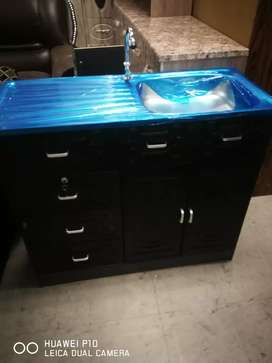 Brand new kitchen Cupboards with single sink of excellent quality.