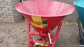 Red Rondini 500 L Bin Spreader / Strooier Pre-Owned Implement