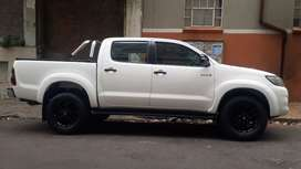 Toyota hilux  double cab  2012 model