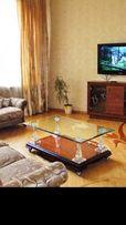 Сдам большую 4 комн квартиру в центре на Пушкинской 19