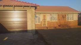 A bachelor room with an ensuite available for 01 Aug 2021 in Vosloorus